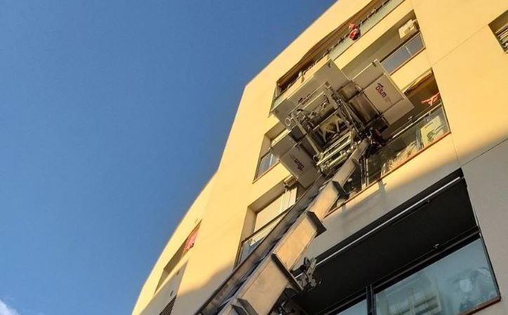 Empresas de mudanzas profesionales con elevadores en Barcelona