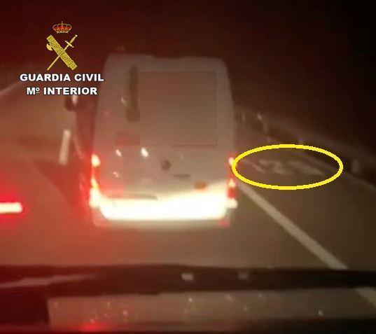 Sancionado el conductor que deslumbró a un camionero con un puntero láser