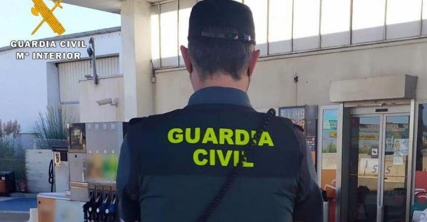 Detenidos por estafar 135.000 euros utilizando tarjetas de combustible de camiones para repostajes ficticios