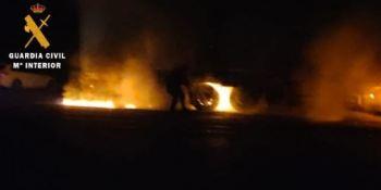 Sofocado el incendio de un camión que circulaba por la N-121-A