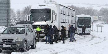 611 carreteras y puertos afectados por la nevadas y más de 400 con uso obligatorio de cadenas