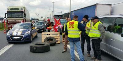 Los sindicatos franceses convocan a los camioneros a una huelga para el 1 de febrero