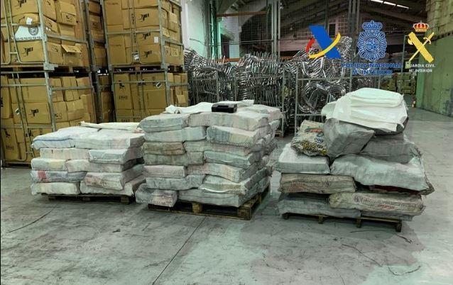 Desarticulada una organización dedicada al tráfico internacional de cocaína. Fotos
