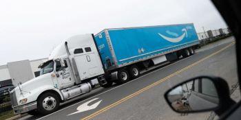 Amazon compra más de 700 camiones a GNC para su flota de reparto