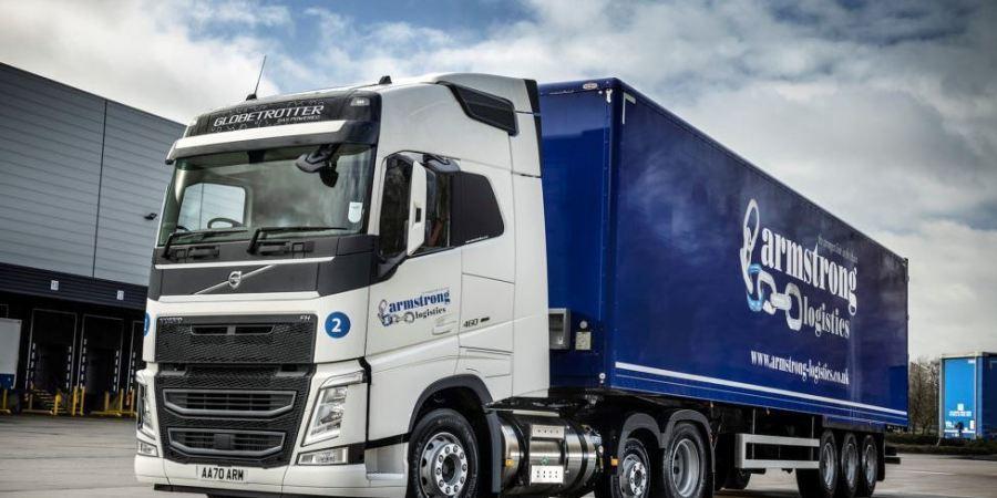 Armstrong Logistics invierte en sostenibilidad con camiones Volvo a GNL