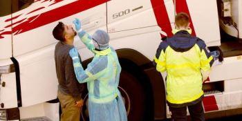 La industria del transporte internacional pide pruebas PCR masivas rápidas más regulares