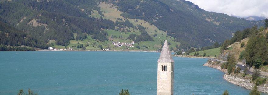 il campanile nel lago di Resia in Val Venosta