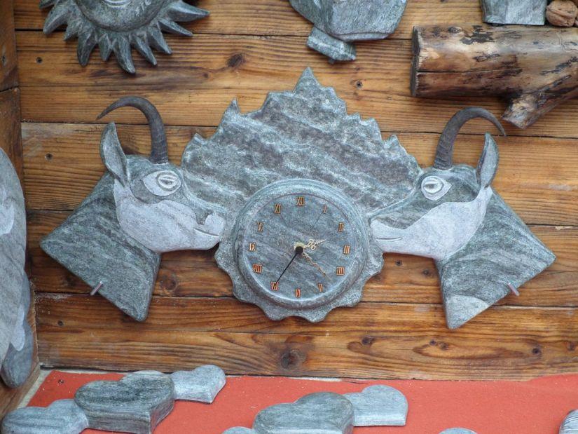 orologio in pietra