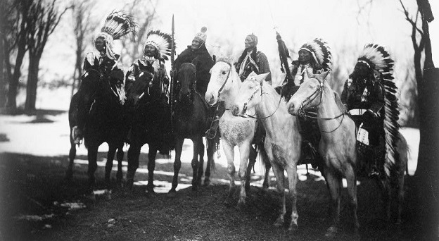 11Six tribal leaders (l to r) etc_p