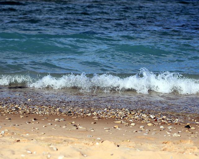 beach_640x511