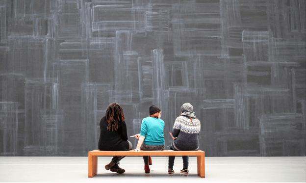 114 artistas de 16 países presentan su propuesta para la exposición Ellas