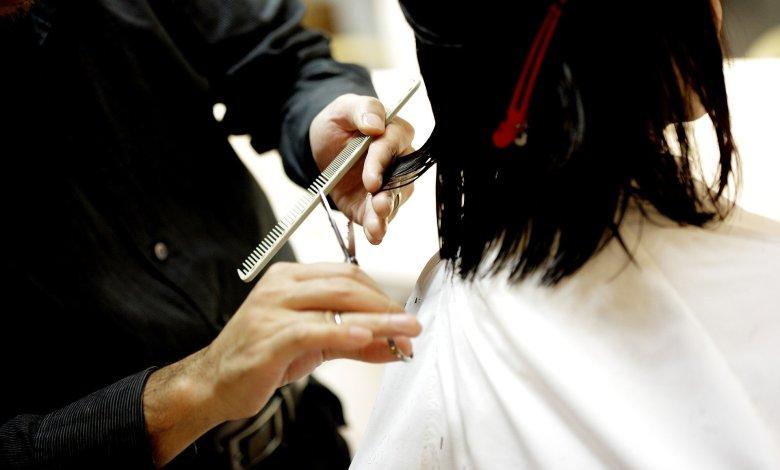 Dos peluqueras de Great Clips en Springfield pudieran haber contagiado a 140 clientes con COVID-19