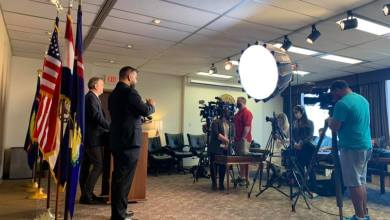 Photo of Ejecutivo Sam Page defiende su tratamiento de la pandemia de COVID en el Condado de St.Louis