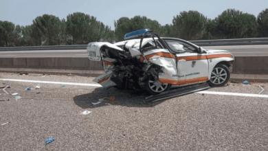 Photo of BMW embate no carro-patrulha da GNR a mais de 150 km/h