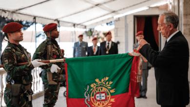 Photo of Marcelo condecora Regimento de Comandos e elogia a sua defesa da liberdade
