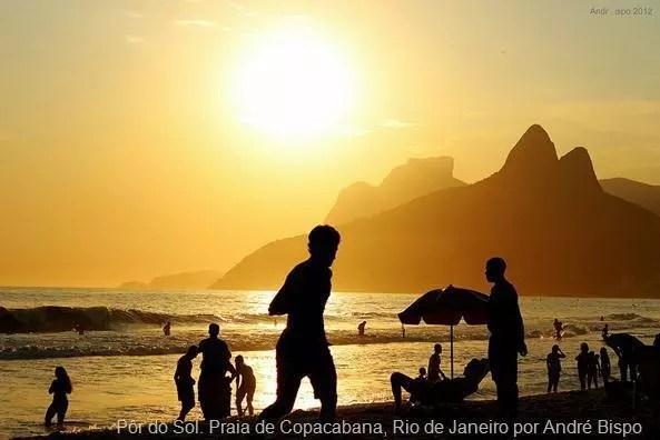 Pôr do Sol. Praia de Copacabana, Rio de Janeiro por André Bispo
