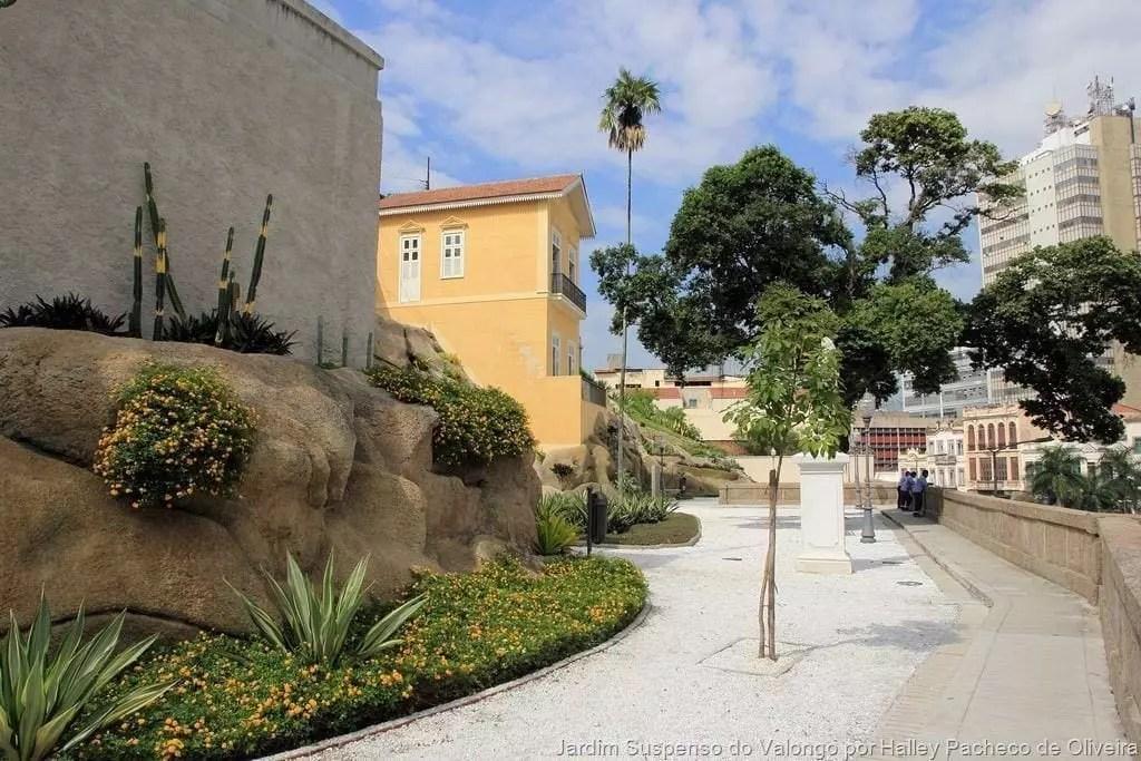Jardim-Suspenso-do-Valongo-por-Halley-Pacheco-de-Oliveira