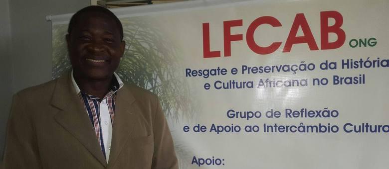 Refugiado ministra curso de francês direcionado a Turismo e Hotelaria em São Paulo