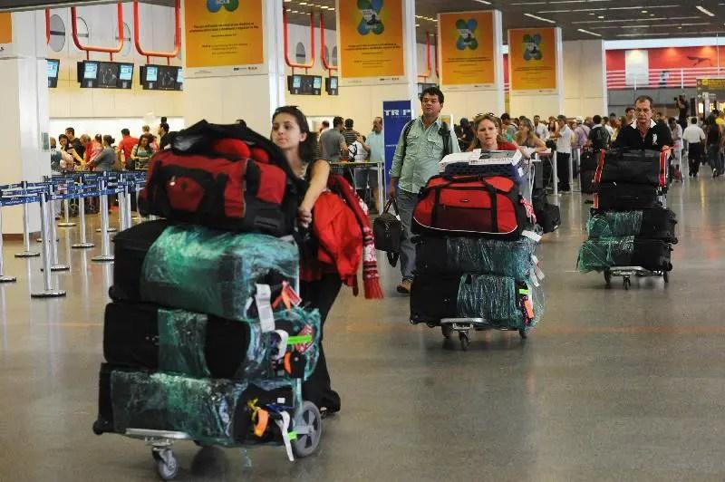 Fim da franquia de bagagem pode baixar preço de passagens aéreas