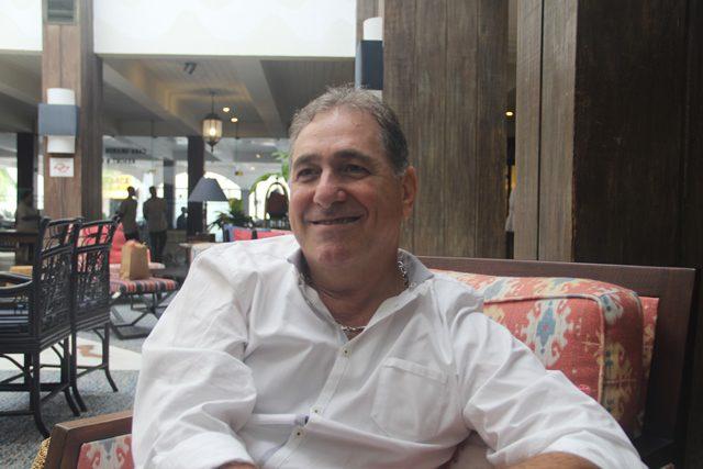 """Lourival de Pieri, diretor do resort: """"Os pais já sabendo desse projeto, optam em ficar aqui no Guarujá, três a quatro dias já que encontram aqui um lugar para suas crianças descarregarem as energias, que não são poucas"""", brinca o executivo"""