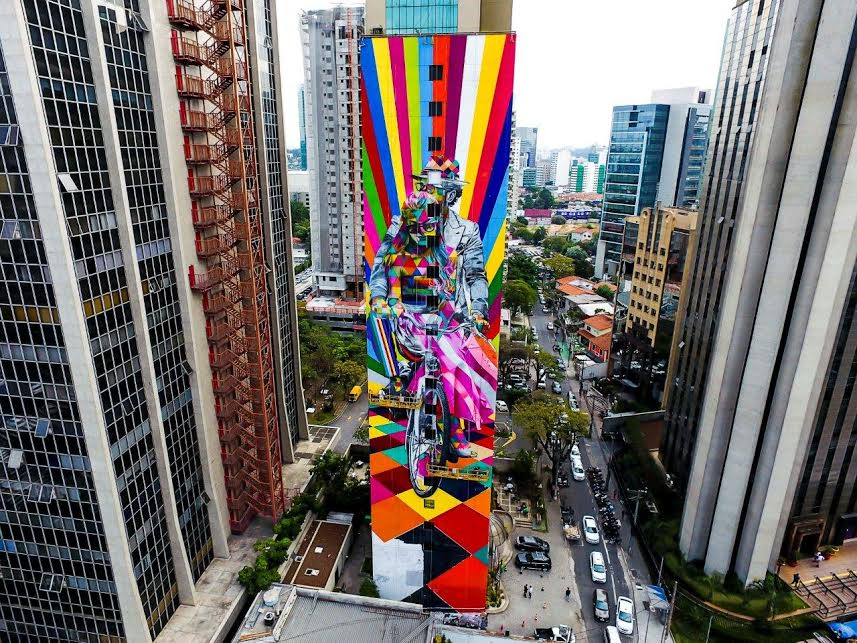 EduardoKobra faz novo mural em São Paulo