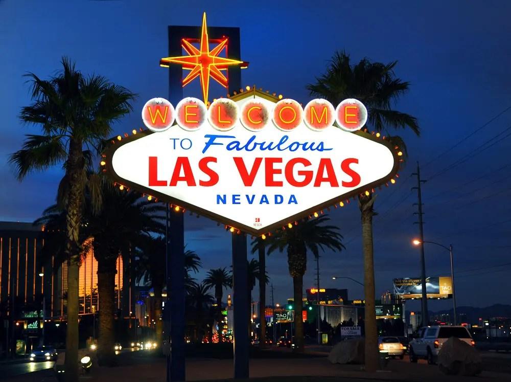Las Vegas quebra recorde de turismo com 42,9 milhões de visitantes em 2016