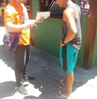 Guias e Monitores recepcionam turistas no Carnaval  de Praia do Forte
