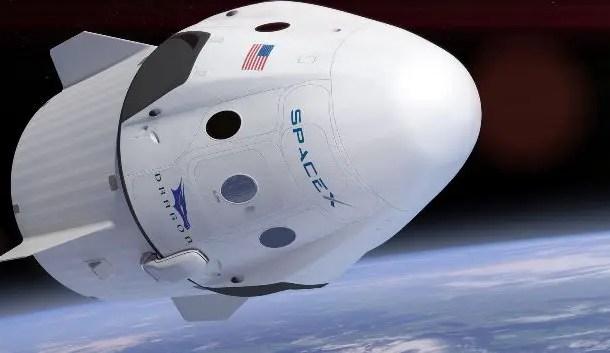 SpaceX vende primeiras passagens turísticas para a Lua