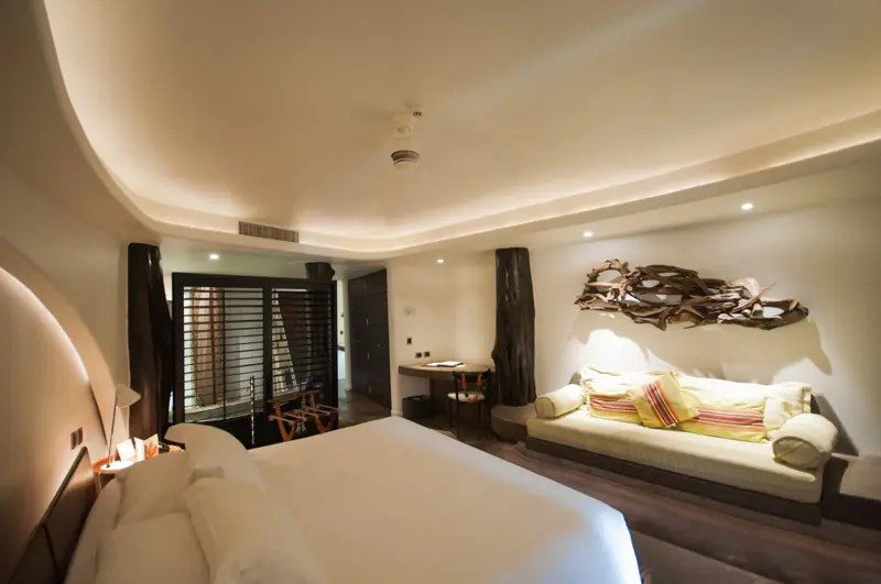 São 75 apartamentos divididos entre: 69 quartos Moana y Kanga de 45 a 49 metros² (singles ou dobles); 5 suítes Ma'Unga de 74 a 78 metros² e a suíte Hangaroa com 83 metros²