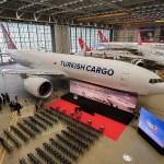 Boeing e Turkish Airlines comemoram primeiro 777 Freighter da companhia aérea