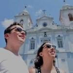"""Luana Bastos e Marden Couto, jornalistas do Turismo de Minas, optam por vida """"on the road"""""""
