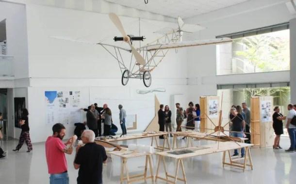 Alunos do Centro Universitário Senac reconstroem avião Demoiselle