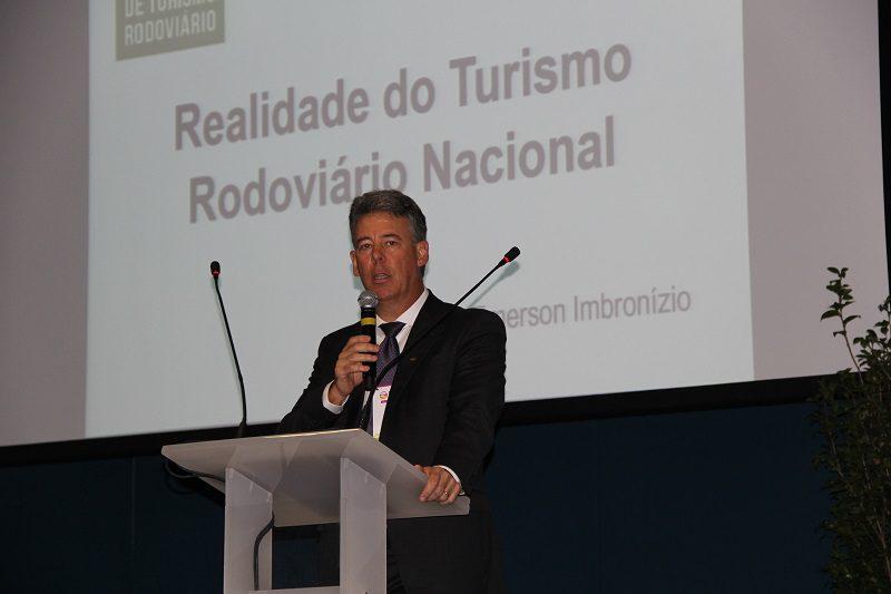 Fórum de Turismo Rodoviário: burocracia e ilegalidade incomodam mais que as companhias aéreas