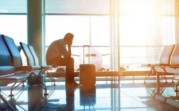 Atrasos em voos aumentam no Brasil e AirHelp lança serviço para ajudar passageiros aéreos
