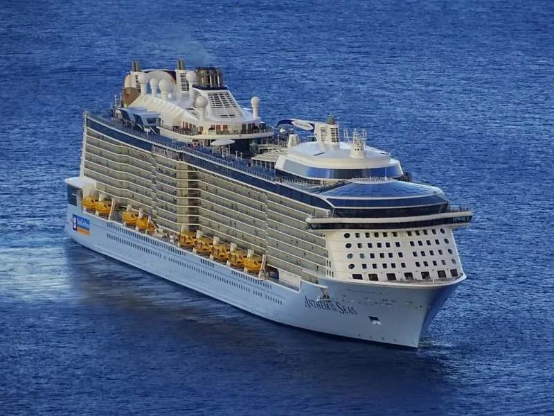 Primeiro navio da classe Quantum Ultra fará inauguração no Caribe