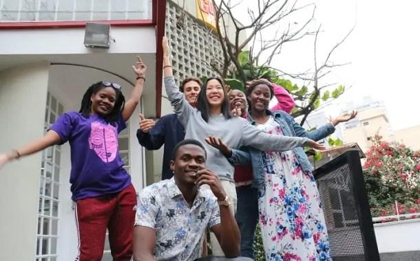 Jovens da Noruega, Moçambique e Malawi compartilham saberes culturais em intercâmbio no Brasil