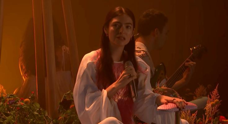 Escuche el EP Solar Power en maorí de Lorde