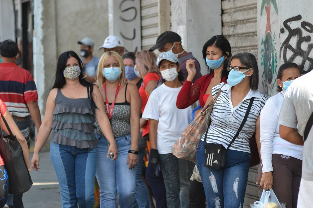 ¿Es suficiente el uso de tapabocas para contener el coronavirus?