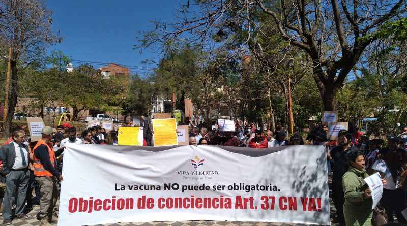 Multitudinaria marcha por la objeción de conciencia, contra la vacunación obligatoria