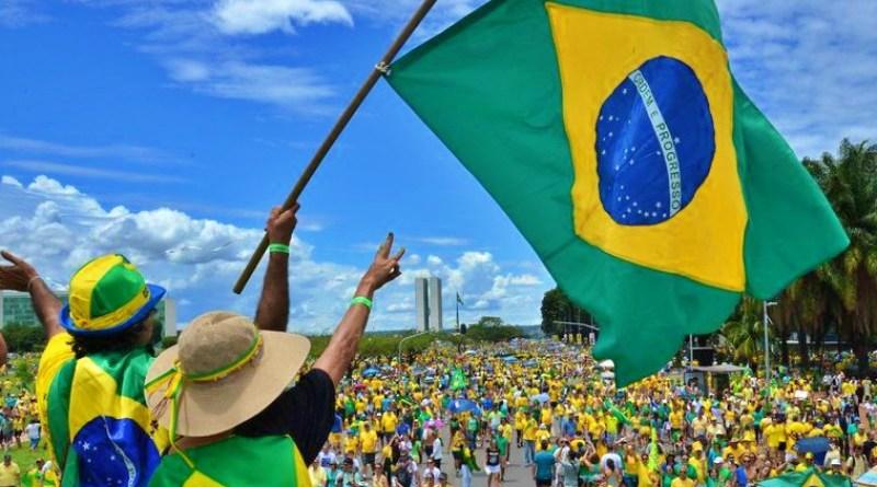 Católicos, Evangélicos y Bolsonaro participarán de la marcha por la libertad en Brasil