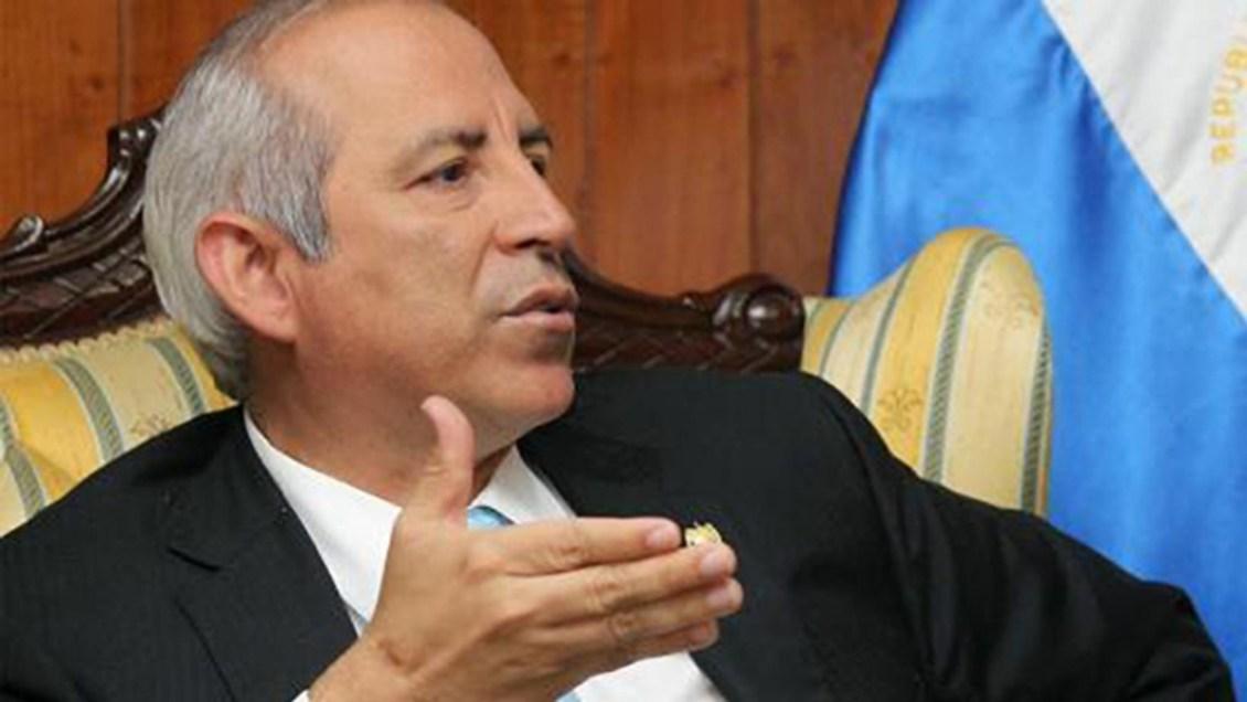 Sala suspende temporalmente proceso civil contra Sigfrido Reyes