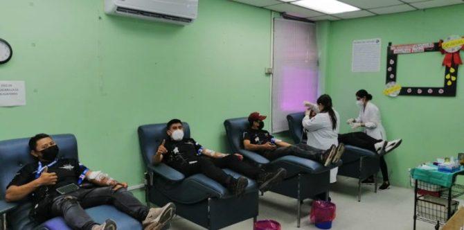 Motociclistas donan sangre para los niños del hospital Benjamín Bloom