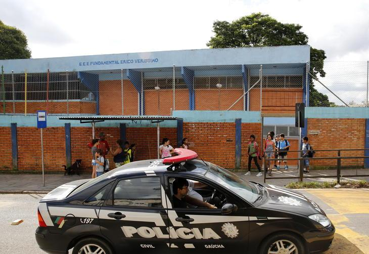 Escola estadual na Capital é fechada mais uma vez após tiros Mateus Bruxel/Agencia RBS