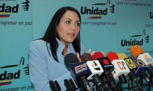Delsa Solórzano, acusó a Iris Varela de no estar preparada para su cargo