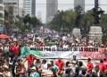 El acto de este domingo se llevó a cabo horas antes de que Peña Nieto anuncie una reforma fiscal que puede implicar  la aplicación del IVA a alimentos y medicinas