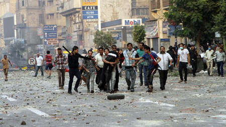Choques entre manifestantes a favor del Ejército y partidarios de Mursi