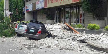 El terremoto ha causado importantes daños en las infraestructuras de la zona,