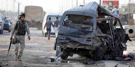 Un vehículo explotó también cerca de un café frecuentado por jóvenes