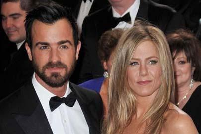 A Justin le preocupaba que la ceremonia fuera a ser demasiado ostentosa y llena de medios de comunicación, así que Jennifer ha decidido cambiar de opinión y organizar algo íntimo con amigos y familiares