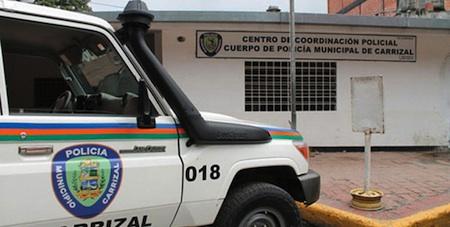 Los delincuentes estaban robando a los transeúntes cuando llegaron las comisiones